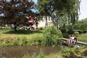 Familienurlaub an der Oste - Angeln im Garten